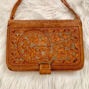 Handbags - Beautiful vintage tooled leather purse with roses